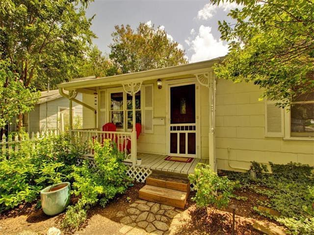 Walkable Cherrywood Home near UT and downtown - 奧斯丁 - 獨棟