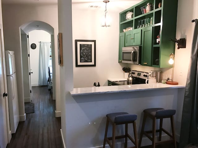 Cozy apartment near SoCo, minutes from downtown - Austin - Lägenhet