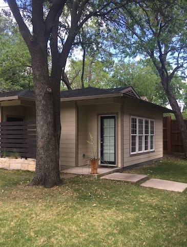 Charming Lakewood guesthouse - Dallas - Casa de huéspedes