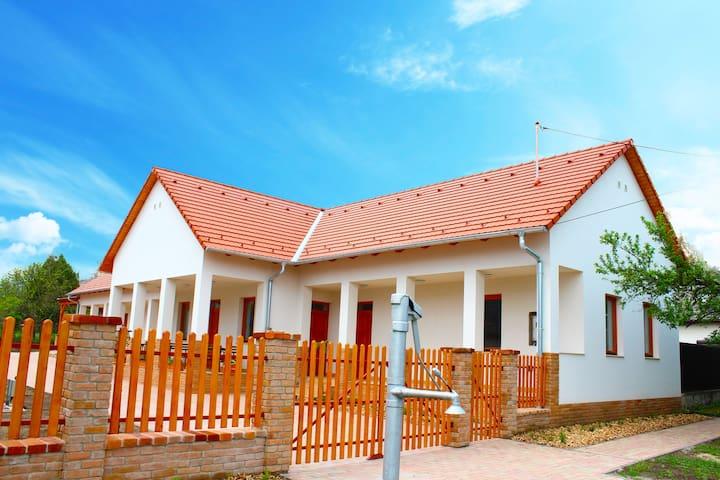 Kun Pista Vendégház - Vértesboglár - Huis