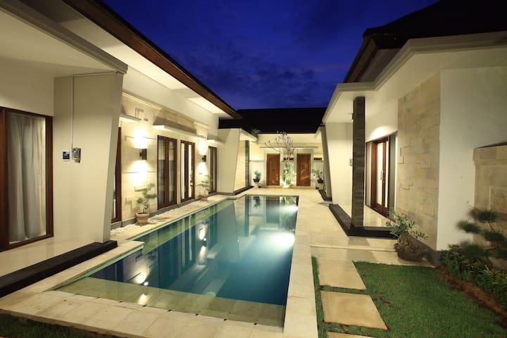 Kubu Nyoman Villas - Standart Room2 - Denpasar