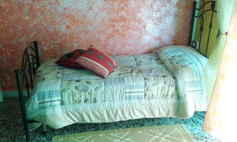 B&B Bruna's House Sardegna  - Decimomannu - Bed & Breakfast