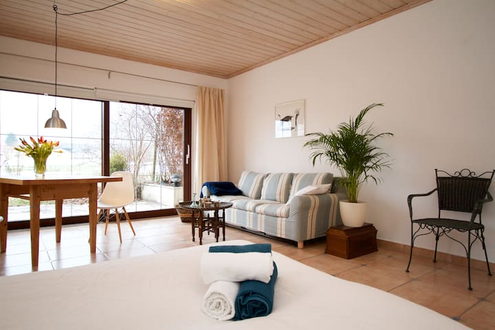 The Alps, Great Coffee and a Bright Flat for Two - Bernau am Chiemsee - Departamento
