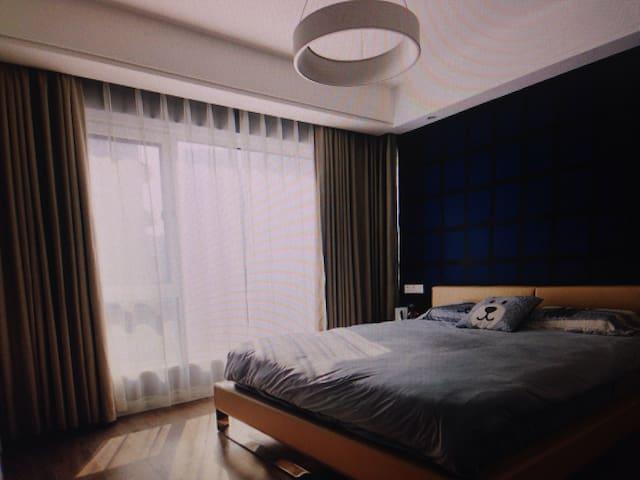 Luxury two bedroom elevator room - 维埃纳河畔勒帕莱尔 - Hus