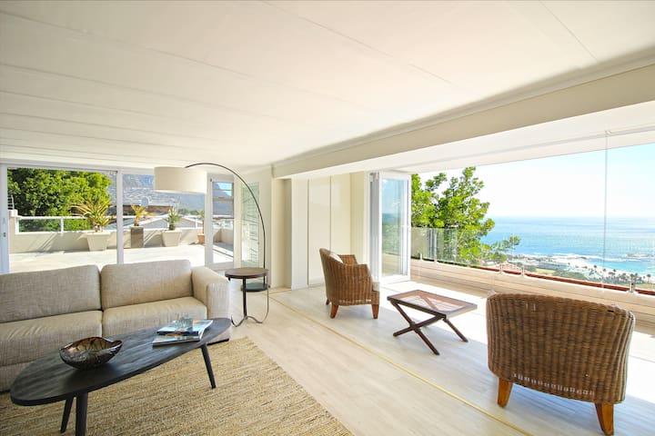 Camps Bay Apartment - Breathtaking Views + Pool - Ciudad del Cabo - Departamento