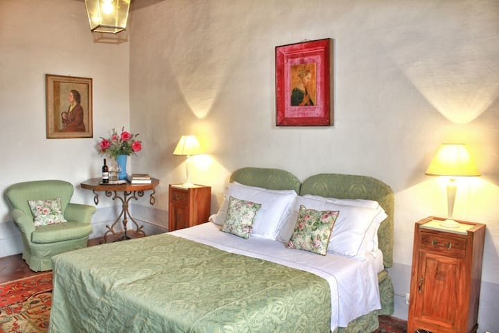 B&B in a Charming Castle near Siena - Monteroni d'Arbia - Castle