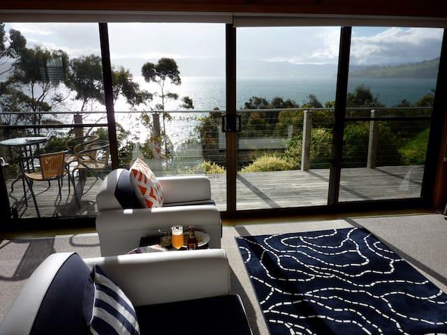Bruny Beach House - Dennes Point - Huis