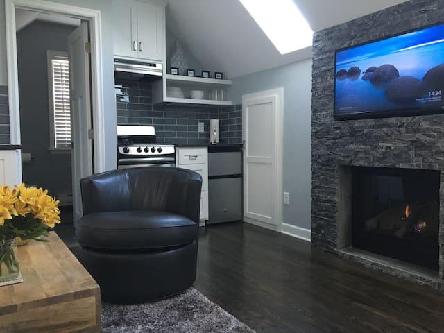 Cozy garage loft studio apartment close to lakes - Minneapolis - Appartement