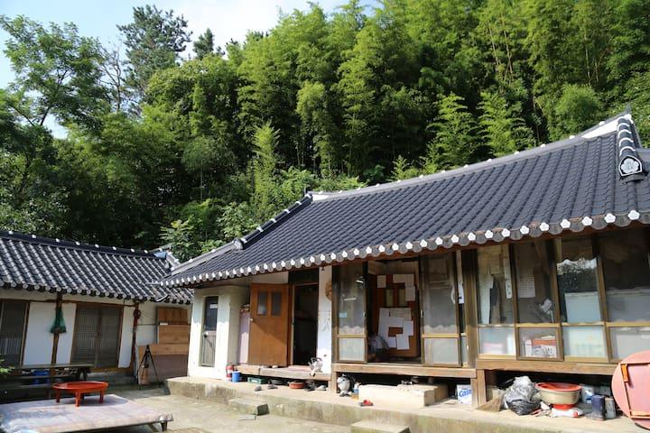 안방 - Sannae-myeon, Namweon - 獨棟