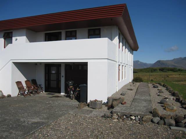 Aurora Inn, studio B, Dalbraut 4, Höfn - Höfn