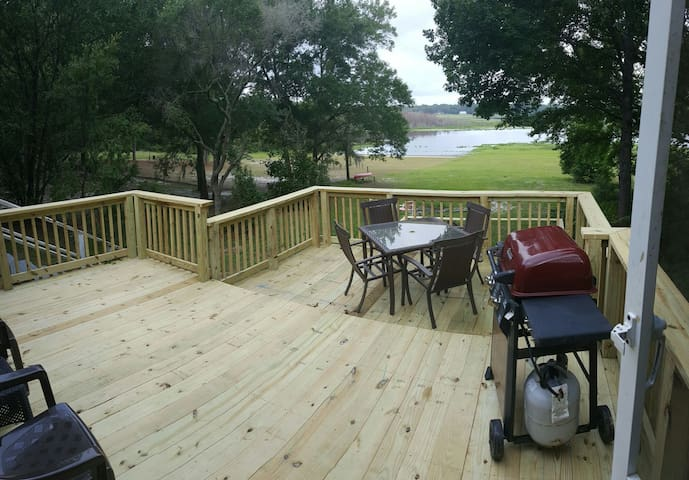 Keystone Lake Front Cottage - Keystone Heights