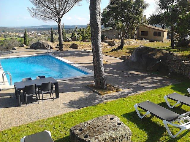 GÎTE RURAL Piscina Tenis & Relaxing - Gerona - Huis