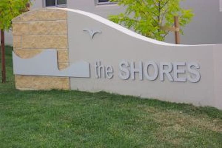 The Shores - two bedroom apartment - Belconnen - 公寓