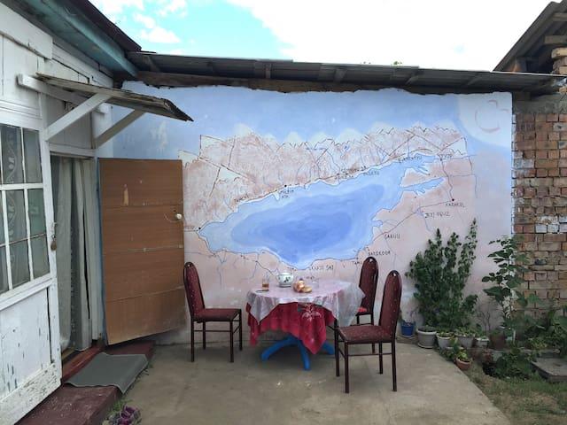 Lovely homestay with warm hosts at Issyk Kul Lake - Cholpon Ata - Oda + Kahvaltı