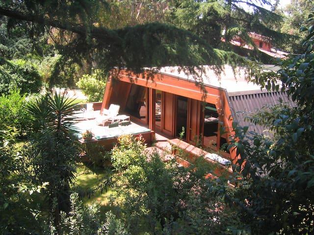 Boheme Cottage with swimming pool - Řím - Srub
