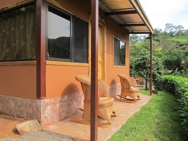 Studio full équipé en montagne a Tajo Alto. - Puntarenas - Appartement
