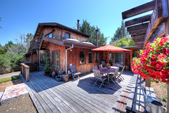 Stunning reclaimed wood home Bdrm#1 - Point Reyes Station - Maison