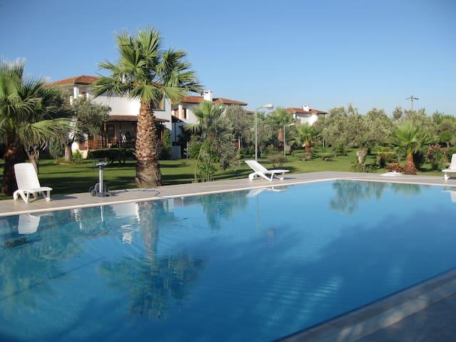 Doğalkent sitesi müstakil villa #13 - Ayvalık - Huis