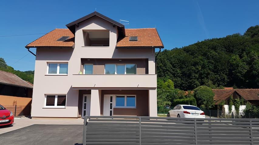 Flat or Apartment - Krapinske Toplice - Appartement