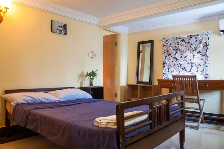 P.  Cute aircon room with Ensuite! - Phnom Penh - Departamento