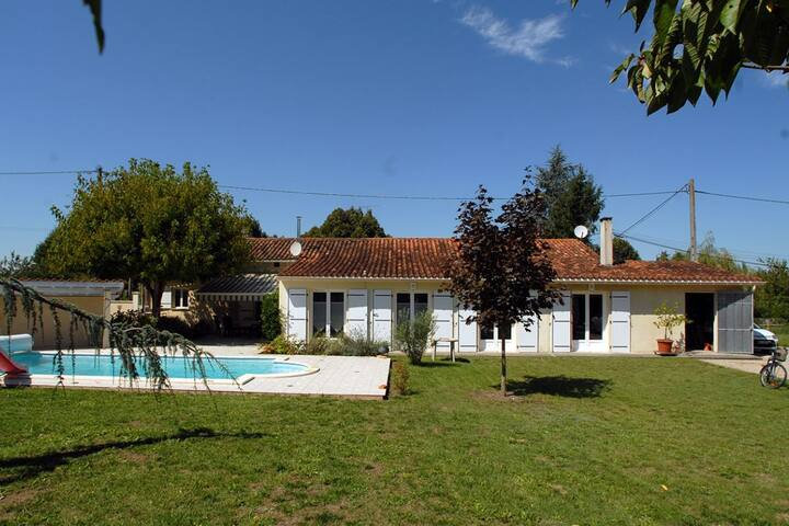 House for 15 people and private swimming pool - Chenaud