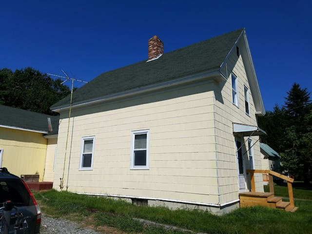 Homey 2 bdrm house near UMaine! - Orono