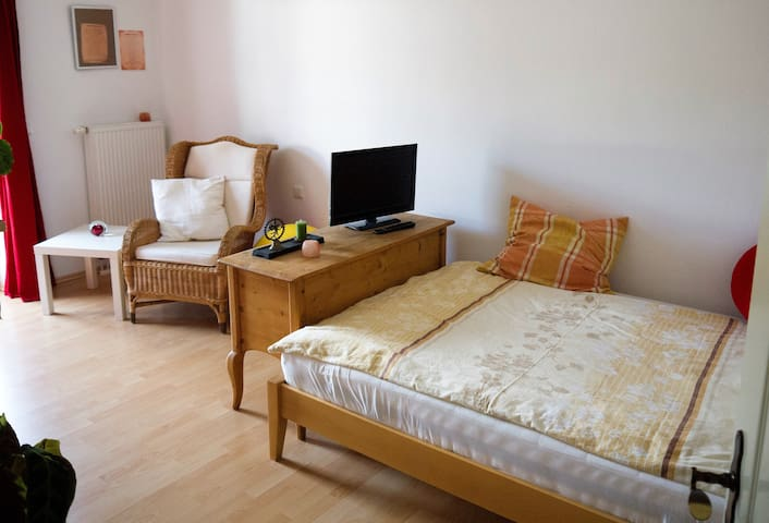 Comfortable double room with balcony - Bad Endorf - Dom