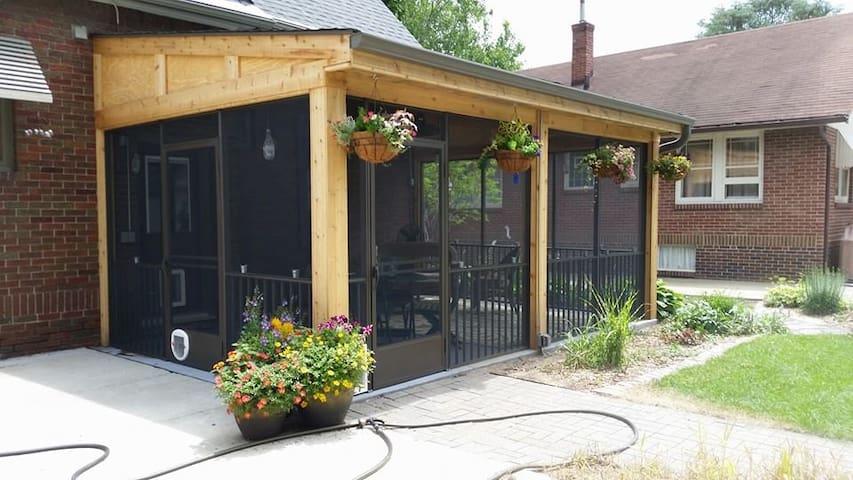 Private Beaverdale suite - Des Moines - Huis