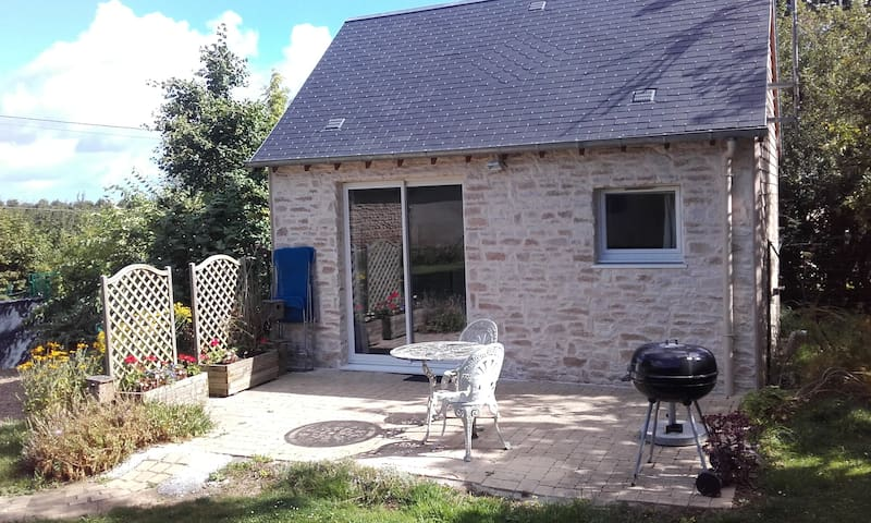 Charmante maison en pierre. - Condé-sur-Seulles - Rumah