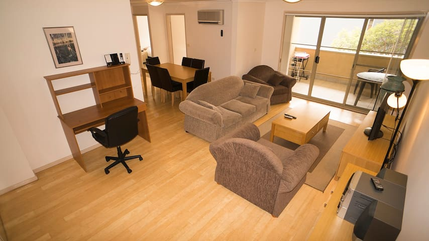 Fully self contained city 2 bedroom - Braddon