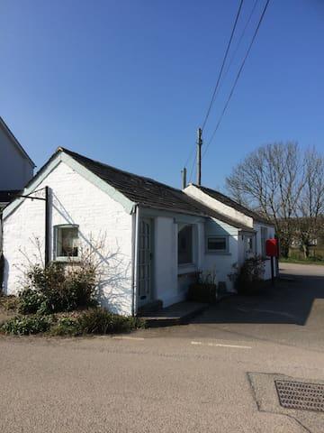 Trekensa, 1 bed Cornish Cottage - Saint Minver