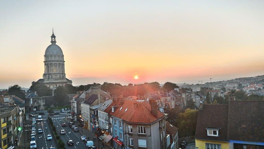 APPARTEMENT VUE PANORAMIQUE CATHEDRALE ET MER - Boulogne-sur-Mer - Leilighet