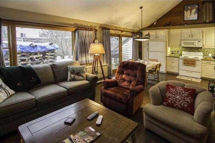 Private Room in Cozy, Modern Loon Mt Ski House! - Lincoln - Ortak mülk