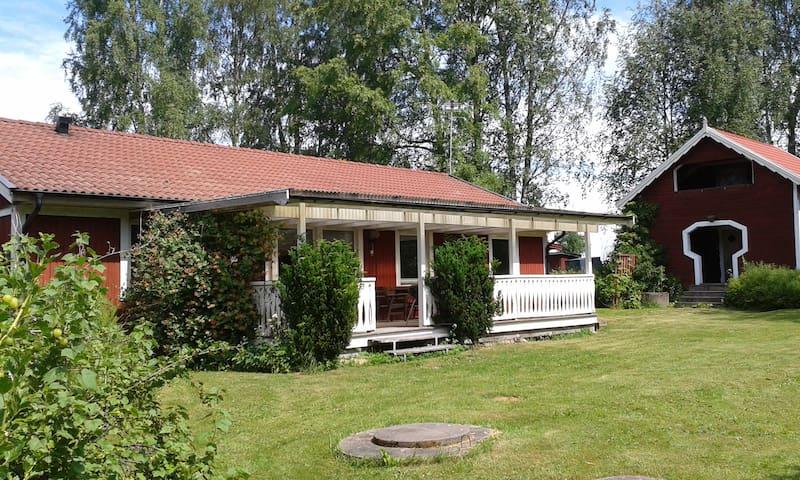 Sörgårdsvillan - Karlstad NO - Huis
