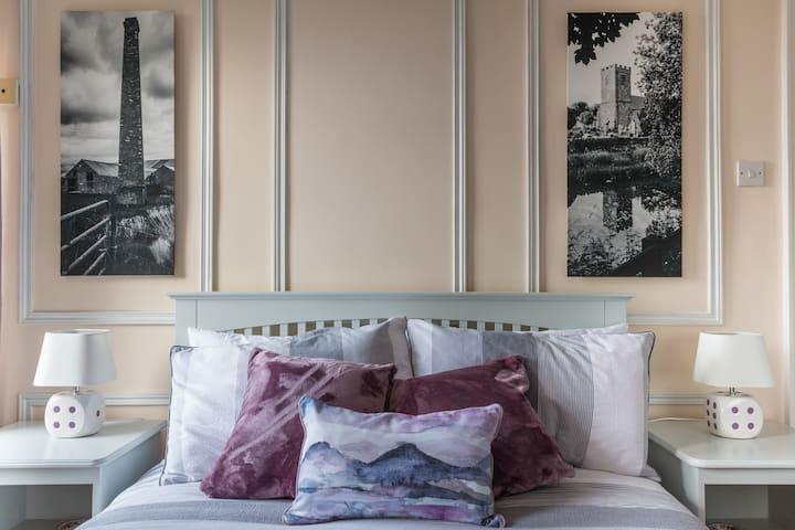 23 @ Hillsborough Road - Dromore - Bed & Breakfast
