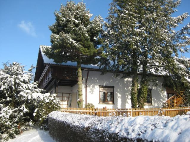 Jochens Zuhause - Tannhausen - Huis