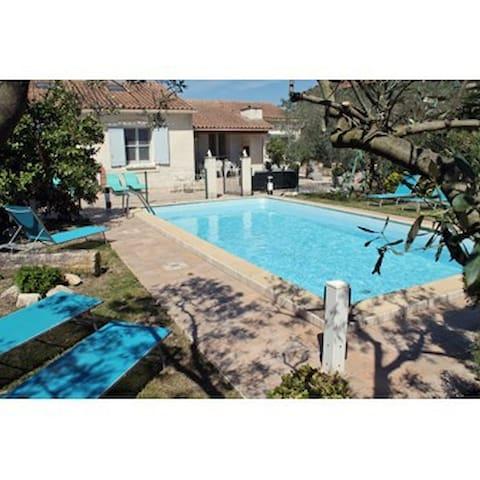 Luxury villa with private pool - Maillane - 別荘