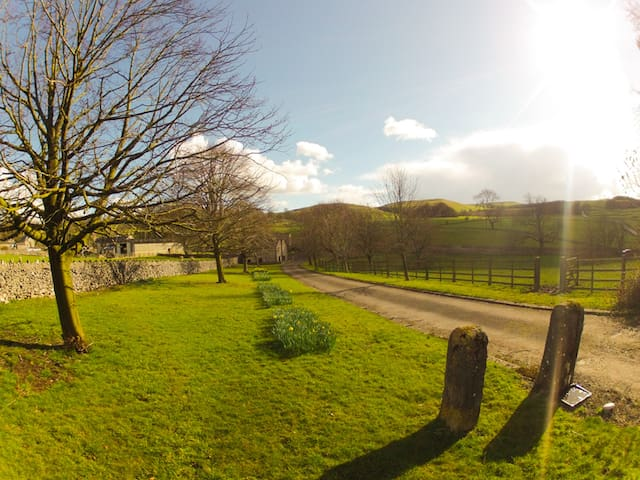 Peaceful Family Apartment in Rural Peak District - Derbyshire - Daire