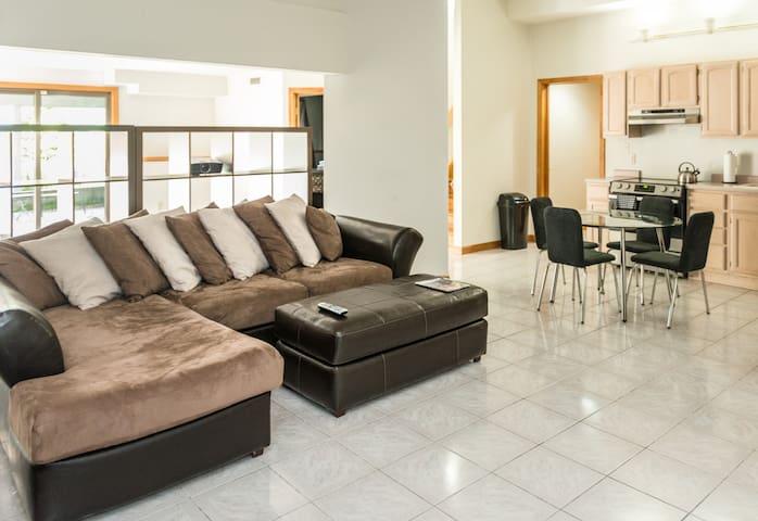 2 Bedrooms with Living Room & Kitchen - Roxbury - Άλλο