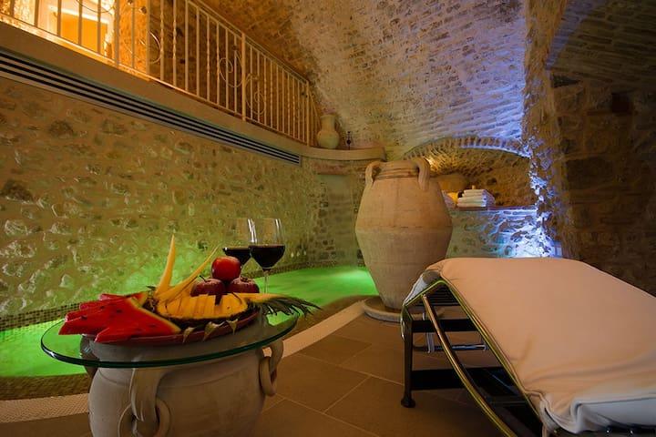 Torre medievale di 3 piani con vasca idromassaggio - Verucchio - Andre