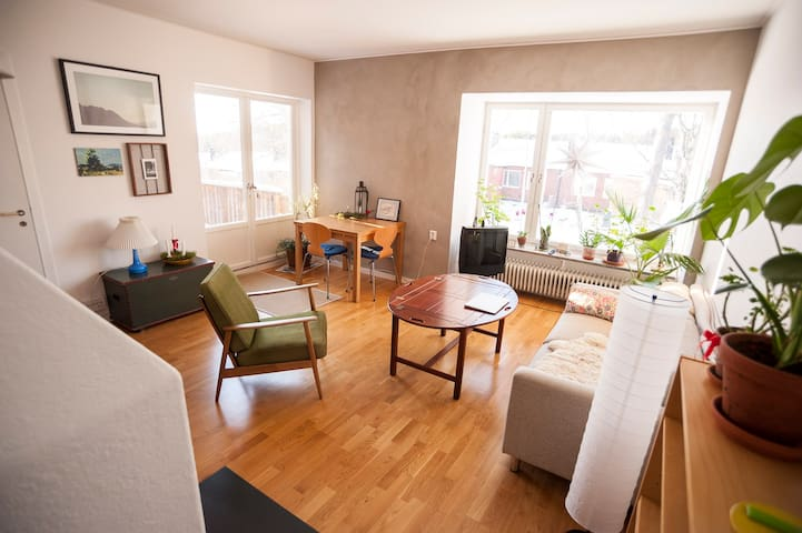 Lovely and warm 2 bedrooms house near Stockholm - Gustavsberg - Dům