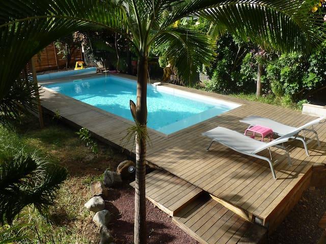 Villa tropicale dans jardin exotique - Etang-Salé les Hauts - Vila
