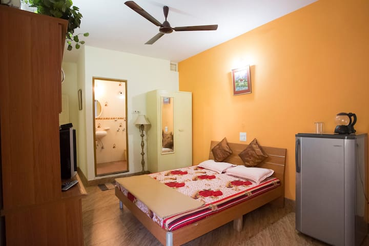 Room in a Villa at Miramar Beach, Panjim - Panjim