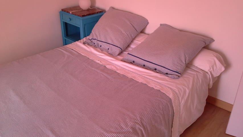 CHAMBRE  AVEC LIT 2 PLACES - Retiers - Bed & Breakfast