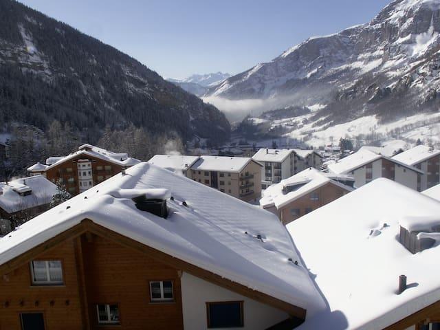 Appartement rénové avec belle vue sur montagnes - Leukerbad - Apartemen