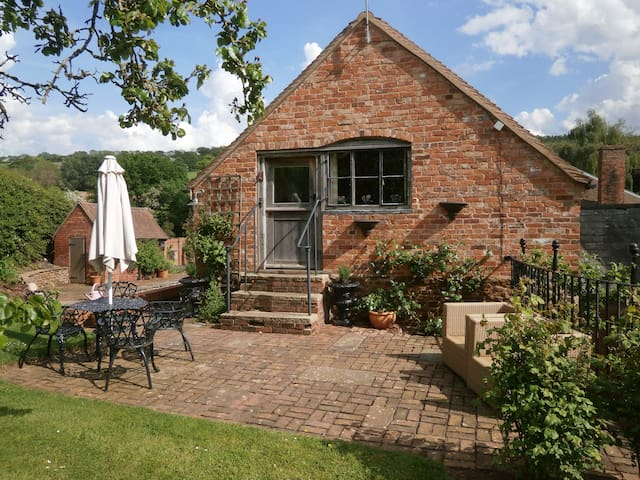 A cosy cottage Herefordshire, 5 miles from Malvern - Coddington