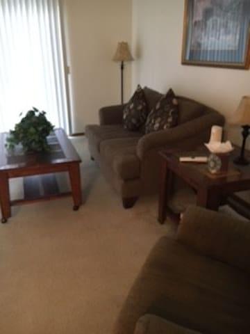 spacious apartment - Indianola - Appartement