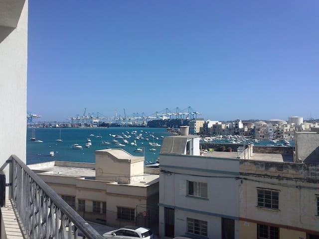 Birzebbugia Seaview - 100m from beach & promenade - Birżebbuġa