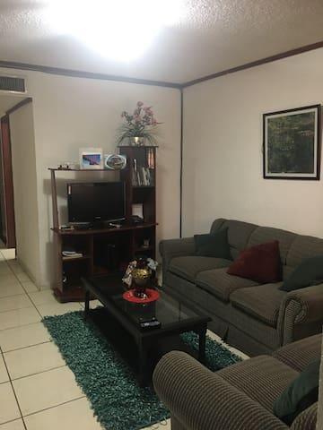 Exclusiva habitacion en Apartamento - San Salvador - Lägenhet