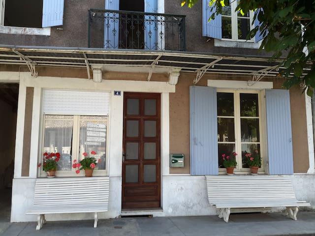 Family house in pretty village - Allemans Du Dropt - Huis